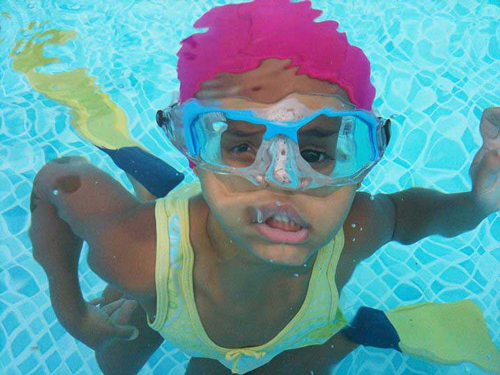 Fuchsia lycra swim cap