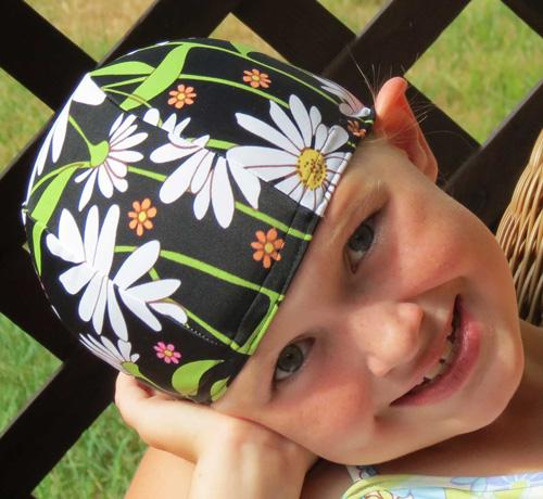 Oopsy Daisy lycra swim cap